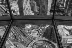 Marc P : Vide au travers d'une vitre  à HONG KONG