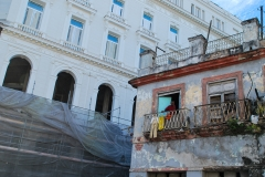 Cuba - neuf chassant l'ancien (Hilde)